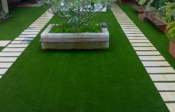 What Are the Benefits of Installing Artificial Grass